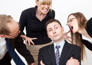Психологический дискомфорт на работе. Что в поведении работников может сигнализировать о назревающем конфликте