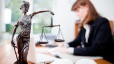 Как вы планируете работу юридической службы?