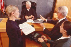 Трудовых отношений не было: каким доказательствам поверил суд